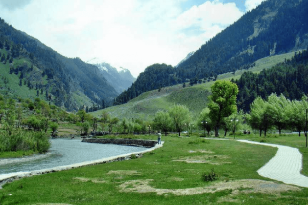 Must Visit Magnificent Indian Hill Stations For A Perfect Summer Escapade