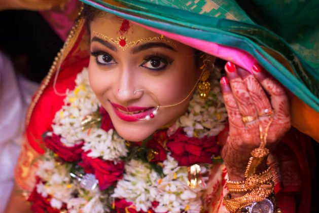 10 Top Notch Bengali Bridal Makeup Looks To Slay Your Bridal Avatar