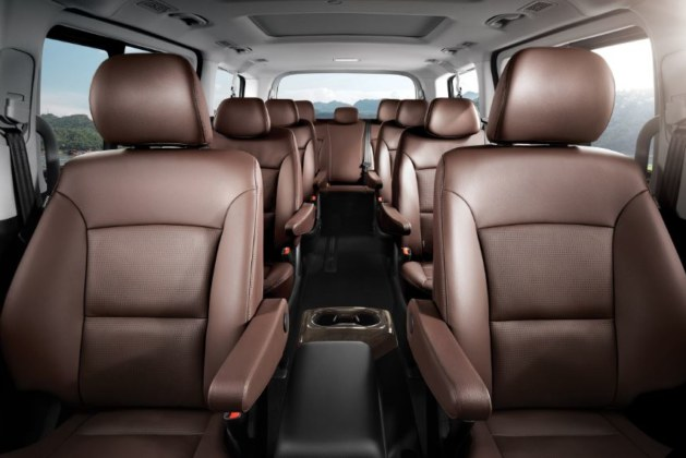 How Can You Hire 7 Seater Car Without any Problem?
