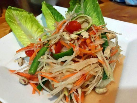 Thai Cuisine som tam salad