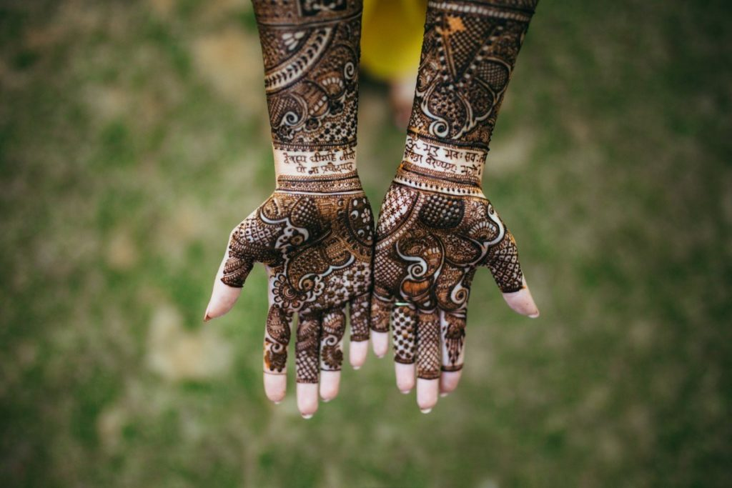 Love Note for Groom in Mehndi Design