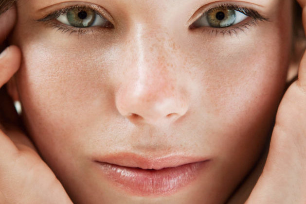 6 Ingredients in Cosmetics That Are Not Suitable for Sensitive Skin