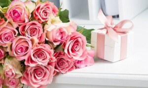 Types of flowers can be given as gifts